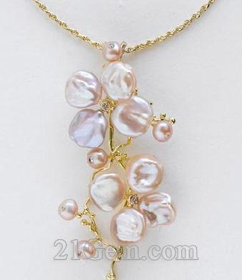 花朵造型的珍珠饰品温润盛开