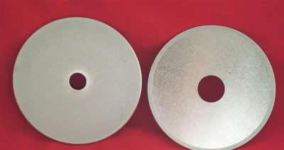 常见金刚石的晶体结构属于等轴晶系
